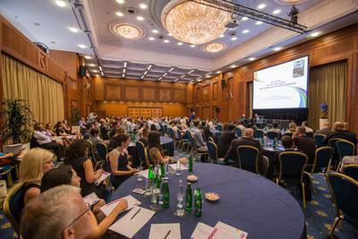 Online přenos z nabité konference Pride Business Forum