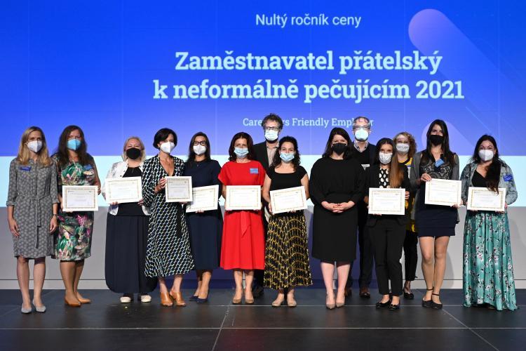 Zástupci zaměstnavatelů zařazených na 1. národní seznam zaměstnavatelů přátelských k neformálně pečujícím